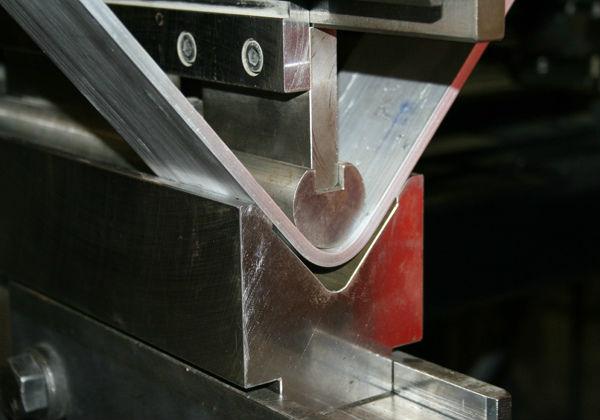 гибка листа металла